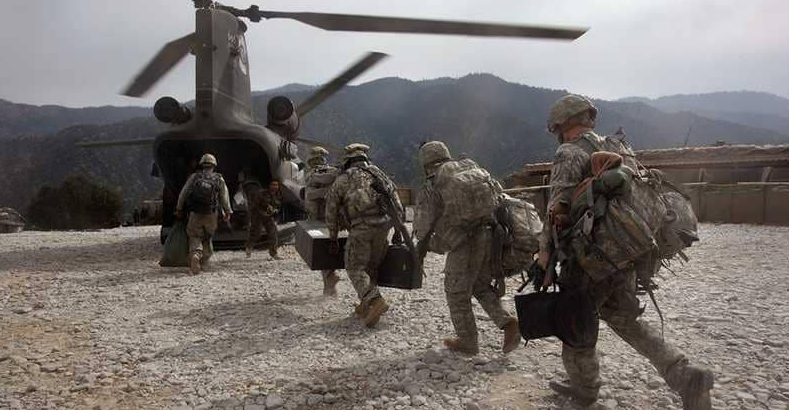 الجيش الامريكي يرسل مئات الجنود  العساكر إلى الحدود المكسيكية