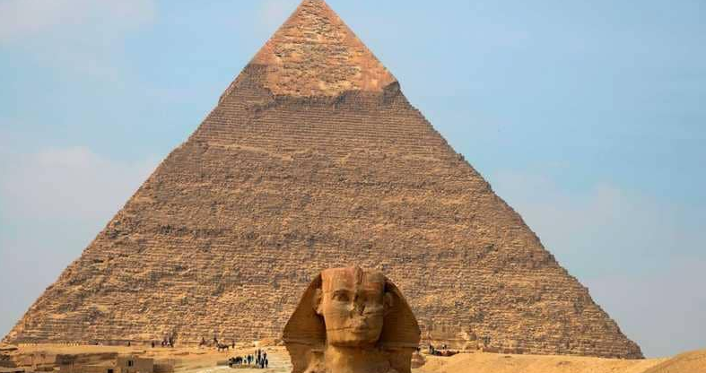 مصر تلعن عن موعد افتتاح هرم خفرع للسياح