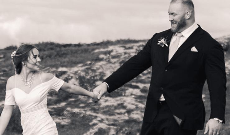 زواج أقوى رجل في العالم بفتاة قامتها اقل بنصف متر