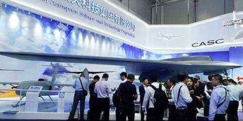 شاهد بالصور.. الصين تكشف عن طائرة جديدة بامكانيات عالية وتثير الجدل