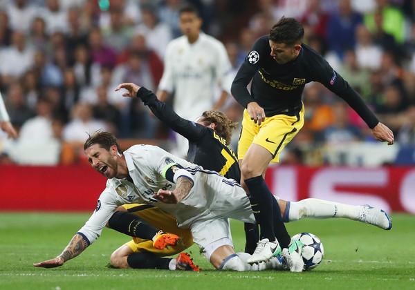 ريال مدريد قريب من ضم نجم الغريم التقليدي رفقة لاعب كتالوني آخر