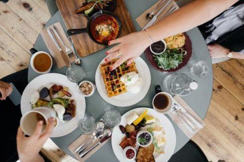 دراسة تكشف أهمية وجبة الفطور ومخاطر تجاهلها