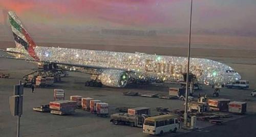 حقيقة الطائرة الإماراتية المرصعة بالألماس المثيرة للجدل