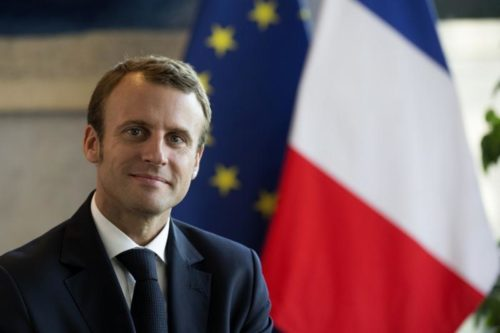 """ماكرون: إجراءات مالية لمساعدة الفرنسيين """"السترات الصفراء"""""""