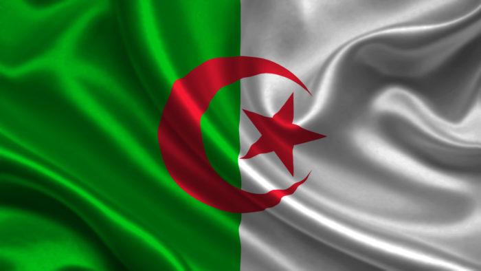 الجزائر: مصرع 7 أشخاص بحادث حافلتي طلبة ومسافرين