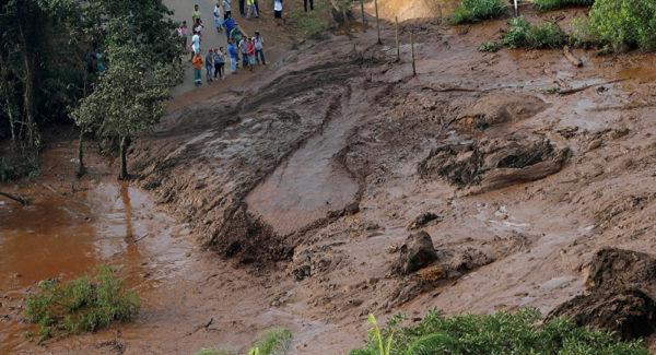 البرازيل: ارتفاع حصيلة ضحايا انهيار السد