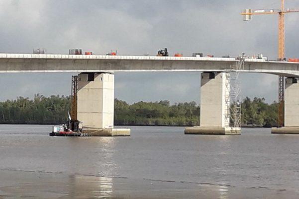افتتاح جسر في غامبيا تأجل بناؤه إلى نصف قرن