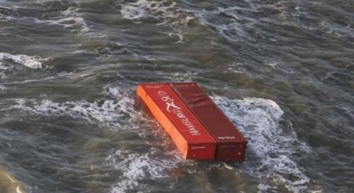 شاهد بالصور: البحر في ألمانيا وهولندا يرمي أجهزة كهربائية