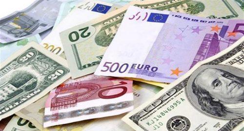 أسعار العملات.. الدولار يرتفع مع هبوط اليورو