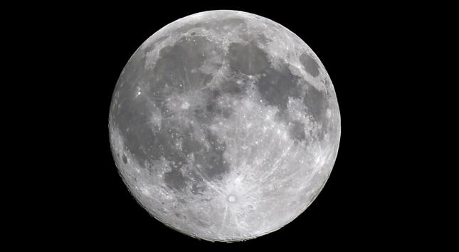 شهر فبراير مكتظ بالظواهر الفلكية لعشاق مشاهدة أحداث القمر