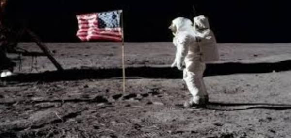 منافسة دولية على ملكية أراضي القمر