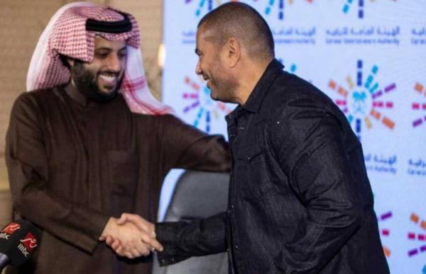 تركي آل الشيخ يجمع نجوم الفن المصري لإقامة عروض في السعودية