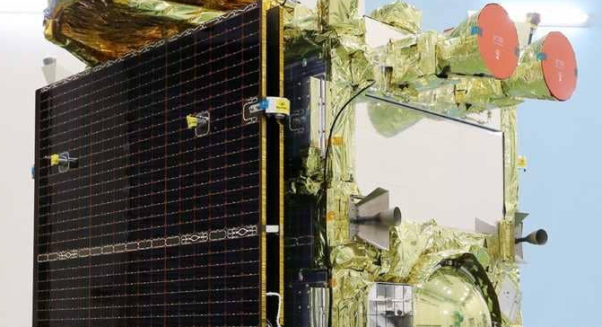 اليابان ترسل مركبة فضاء إلى كويكب لكشف لغز قديم