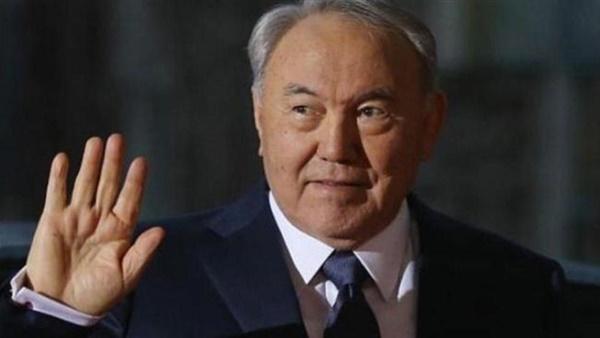 رئيس كازاخستان يغادر الملك بعد 29 عاما في الحكم