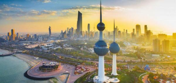 الاستغناء عن خدمات مئات المصريين في الكويت