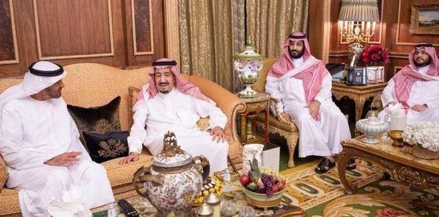 الملك سلمان يبحث مع ولي عهد أبو ظبي شؤون المنطقة
