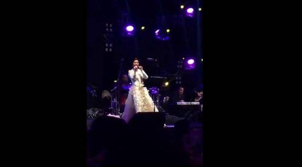 ماذا قالت الفنانة شيرين عبد الوهاب في حفل الرياض لتجنب المشاكل