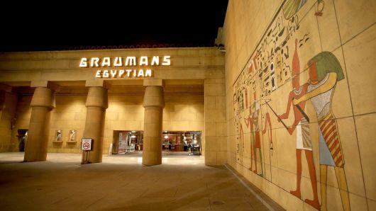 """نتفليكس تسعى لشراء """"المسرح المصري"""""""