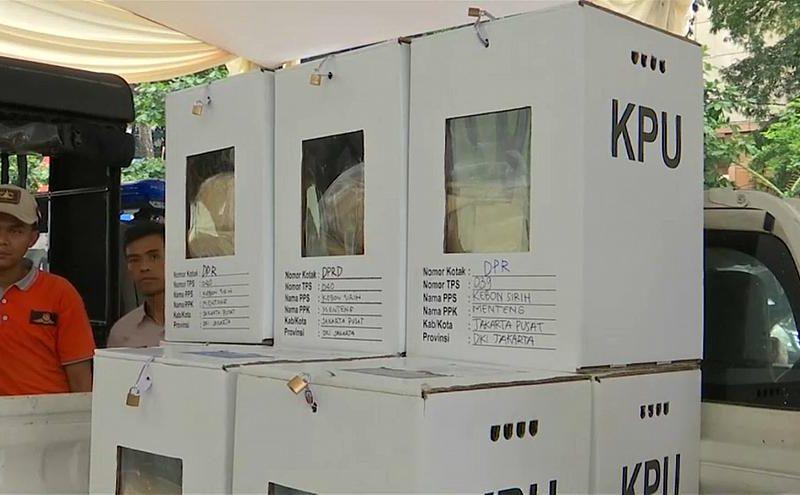 أكبر انتخابات في العالم تفتح أبواب التصويت