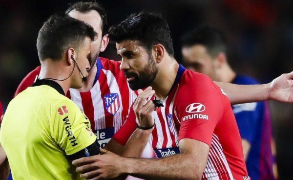 رسمياً: إيقاف دييجو كوستا عن اللعب لمدة 8 مباريات لإهانته الحكم