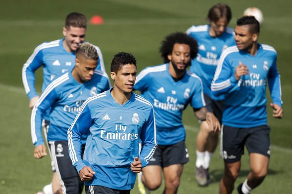 ريال مدريد ضد فالنسيا.. اختبار صعب لزيدان منذ عودته للملكي