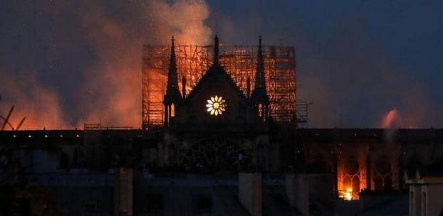 أغنى رجل في أوروبا يستعد بـ200 مليون لترميم كاتدرائية نوتردام