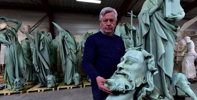 نقل كنوز نوتردام إلى متحف اللوفر.. بعد الحريق الهائل
