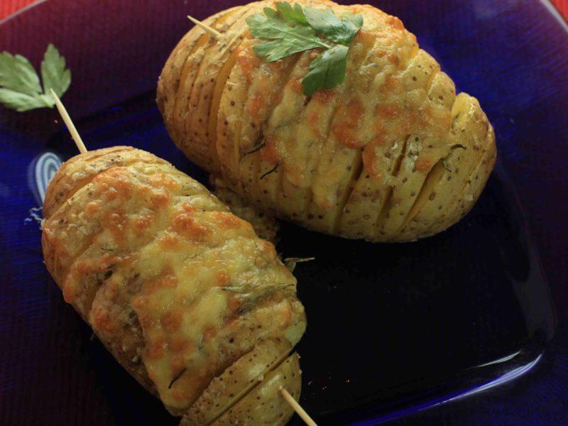 طريقة عمل بطاطس باللحمة والجبن في الفرن – وجبات سريعة