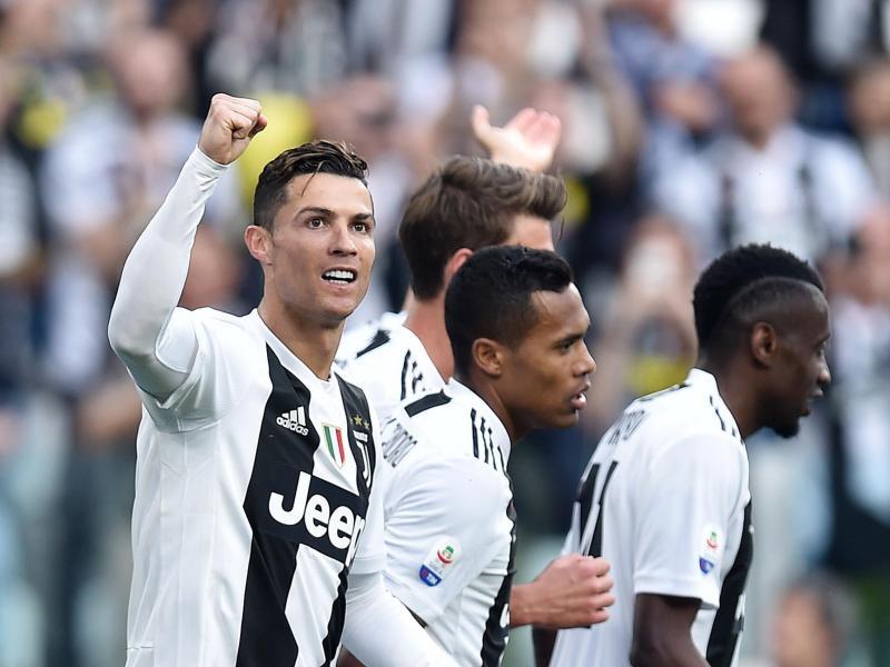 يوفنتوس يتوج بطلاً للدوري الإيطالي للمرة الثامنة على التوالي