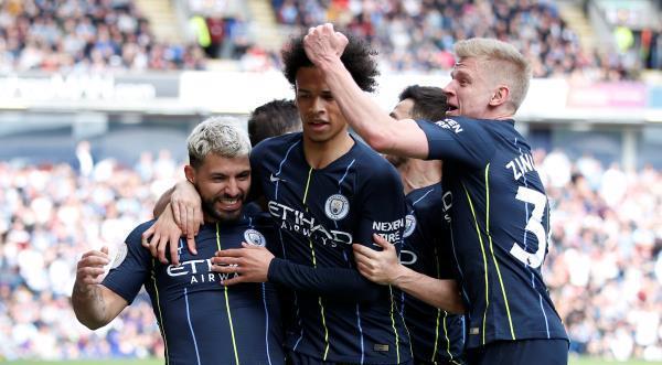 مانشستر سيتي يفوز على بيرنلي بصعوبة ويستعيد صدارة الدوري الإنجليزي