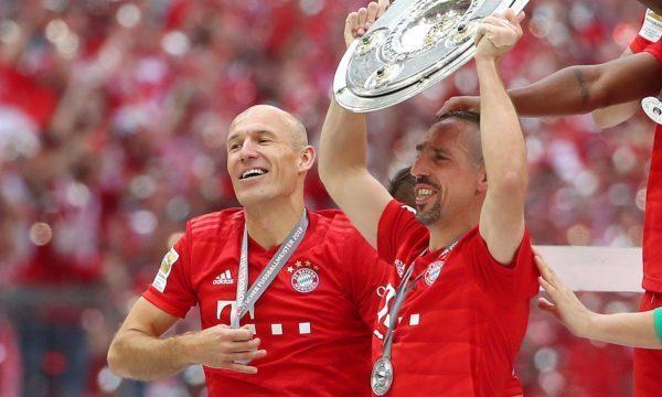 بايرن ميونيخ يتوج بلقب الدوري الألماني للمرة السابعة على التوالي