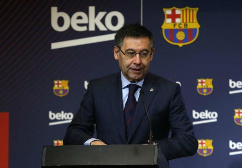 رئيس برشلونة يؤكد على بقاء فالفيردي مدرباً للفريق