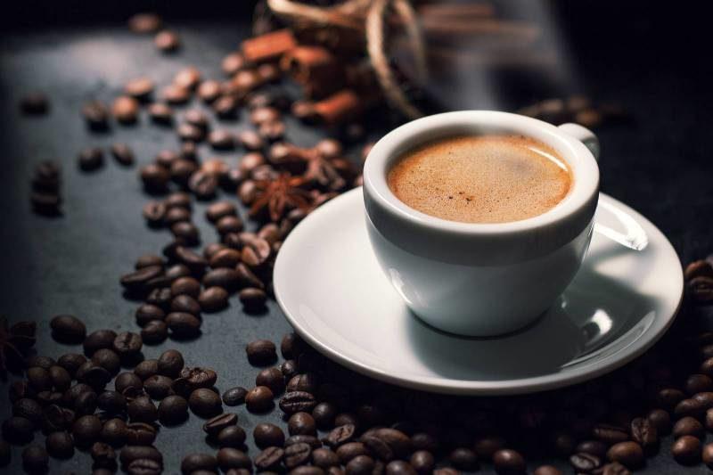 تناول القهوة.. تشرب كم كوب يوميا