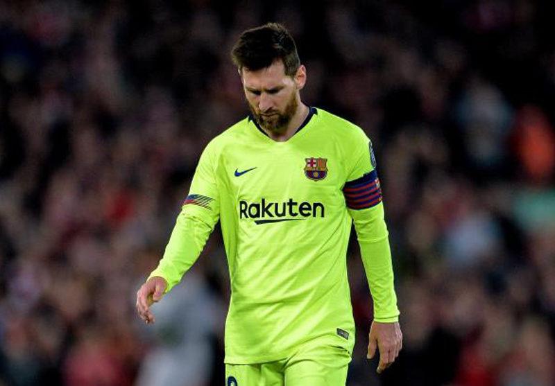 ميسي يطالب إدارة برشلونة بالتعاقد مع ثلاثة لاعبين