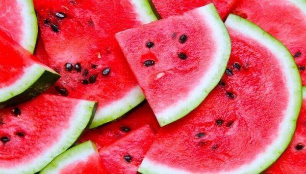 """تعرف على فوائد بذور """"البطيخ"""" التي لا تخطر على بالك"""
