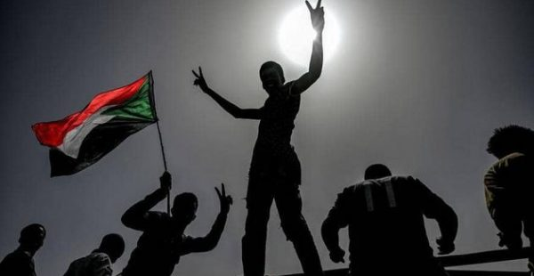 السودان: اتفاق على مرحلة انتقالية فترتها 3 أعوام