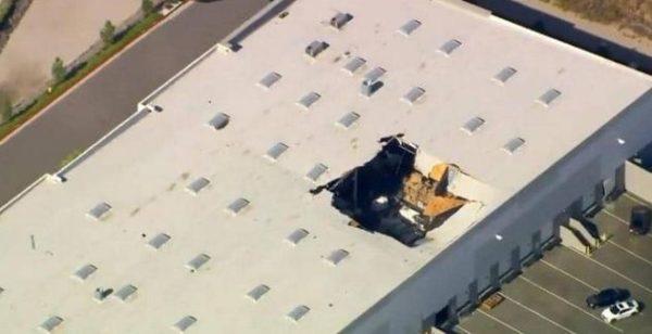 """تحطم طائرة """"F16"""" فوق مخزن وكشف مصير الطيار"""