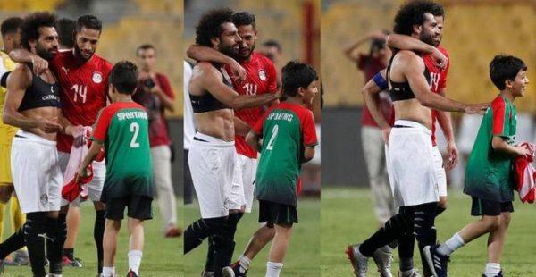 قصة الطفل المصري وقميص صلاح في برج العرب