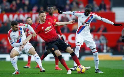 مانشستر يونايتد يتلقى الخسارة الأولى أمام كريستال بالاس بالدوري الإنجليزي