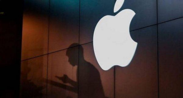 خلل جديد يصيب ملايين أجهزة آيفون وأبل تصلح مجانا