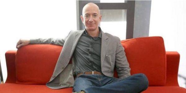 ارتفاع ثروة أغنى رجل في العالم 13 مليار دولار خلال 15 دقيقة